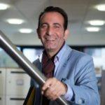 Mozafar Said - projectmanager Gemeente Rotterdam gaat binnenkort promoveren op 'sense of belonging' waarin hij de vluchtelingenproblematiek en het thuis voelen in een vreemd land bespreekbaar maakt. Dit doet hij o.a. door het interviewen van 'succesvol' geworden vluchtelingen. BINNENKORT ONLINE